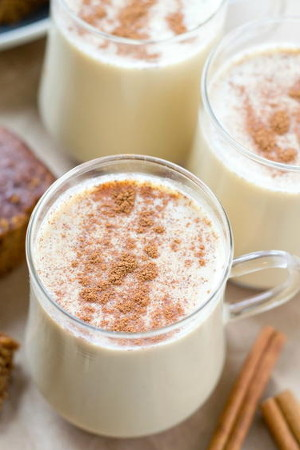 10-Minute Homemade Eggnog