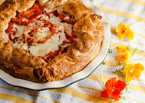 Honey Tomato Cheddar Pie