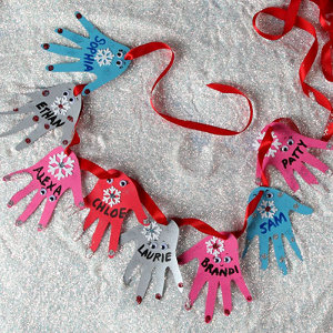 Helping Hands Christmas Garland