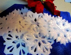 Snowflake Soaps Christmas Gifts to Make