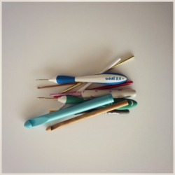 Beginner's Guide to Crochet Hooks Sizes and Styles