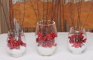 Cranberry christmas centerpiece for Artificial cranberries for decoration