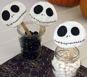 Ghostly Spooky Cookie Pops