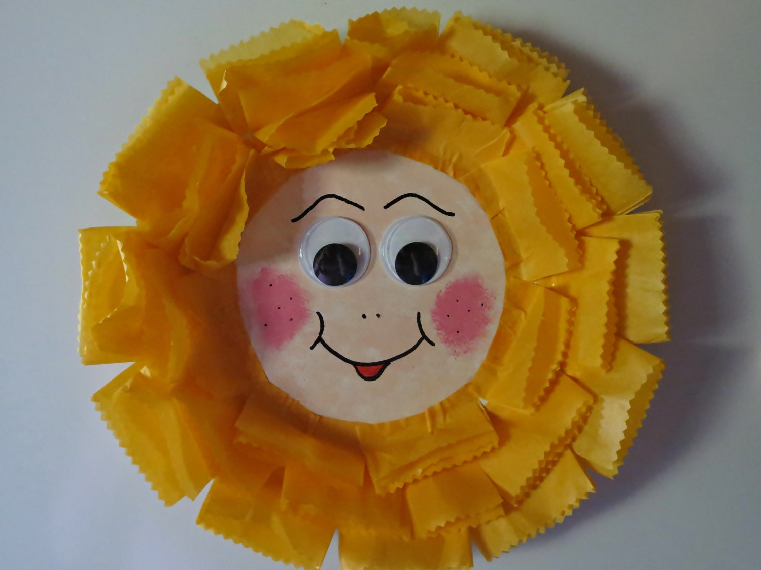 Paper Plate Sunflower Fridge Magnet & Paper Plate Sunflower Fridge Magnet | AllFreeKidsCrafts.com