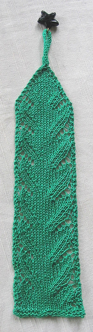 All Free Patterns Knitting : Lace Waves Bookmark AllFreeKnitting.com