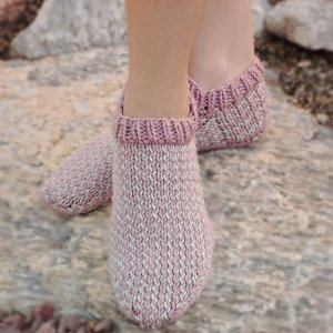 Knitting in the Round: 10 Knit Sock Patterns and Knitted ...