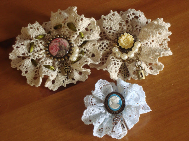 Add A Touch Of Traditional Fashion To Your Wardrobe By Sewing Own Lace Jewelry Learn Make Brooch And Get Cly With Vintage Crafting