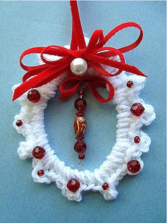 Crochet Christmas Wreath Ornament | FaveCrafts.com