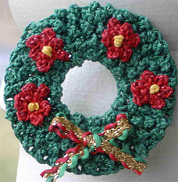 Free Crochet Cotton Christmas Patterns : 5 Free Christmas Crochet Patterns: Christmas Wreaths ...