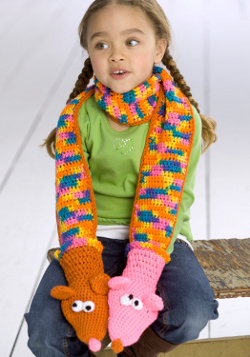 Hand puppet scarf crochet pattern from red heart yarn favecrafts dt1010fo