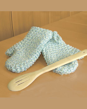 Merveilleux Crochet Your Own Oven Mitts To Match The Rest Of Your Kitchen With This  Free Pattern From Bernat Yarns. These Beautiful Oven Mitts Are Quick And  Easy To ...