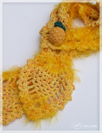 Pineapple Crochet Scarf Close up