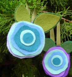 No Sew Felt Flower Ornament