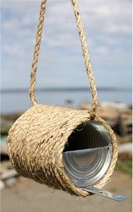 Rope and Can Bird Feeder