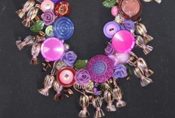 Vintage Look Blooms & Buttons Necklace