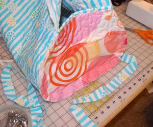 Ginormous Quilted Beach Bag | FaveQuilts.com