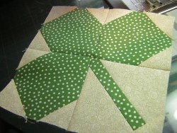 St Patrick S Day Shamrock Quilt Part 1 Favequilts Com