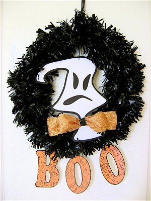 halloween trash can wreath