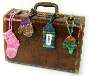 Knitted Luggage Tags