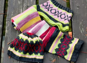 hugs and kisses hat set