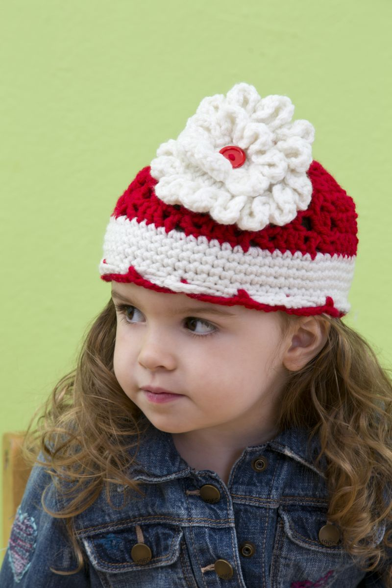 Big Bloom Hat | FaveCrafts.com