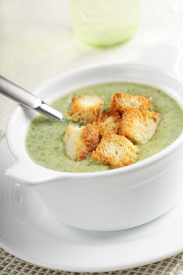 Ultra Creamy Spinach Soup | RecipeLion.com