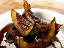 Roasted Acorn Squash with Apple Pie Spices