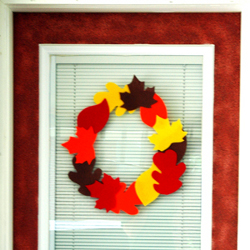 Homemade Thanksgiving Crafts: Wall Decor Leafy Autumn Wreath