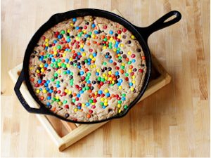 M&M and Chocolate Chip Skillet Cookie