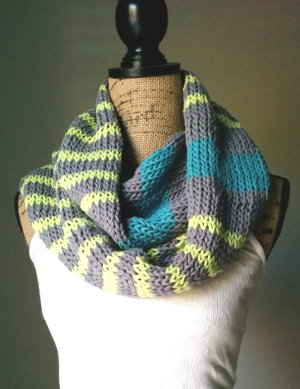 Fashionable Knitting Patterns : How to Knit an Infinity Scarf + 9 Fashionable Cowl Knitting Patterns AllFre...