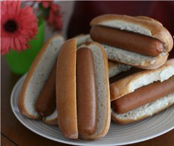 Slow Cooker Hot Dogs for a Crowd