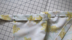 Vintage-Inspired Pillowcase Apron